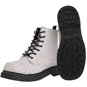 WHITE FLOWER PERFORATED BOOTS - T2248